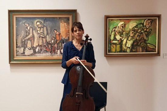 Valérie Rouault improvise au Violoncelle devant les œuvres de son arrière-grand-père au Centre Pompidou